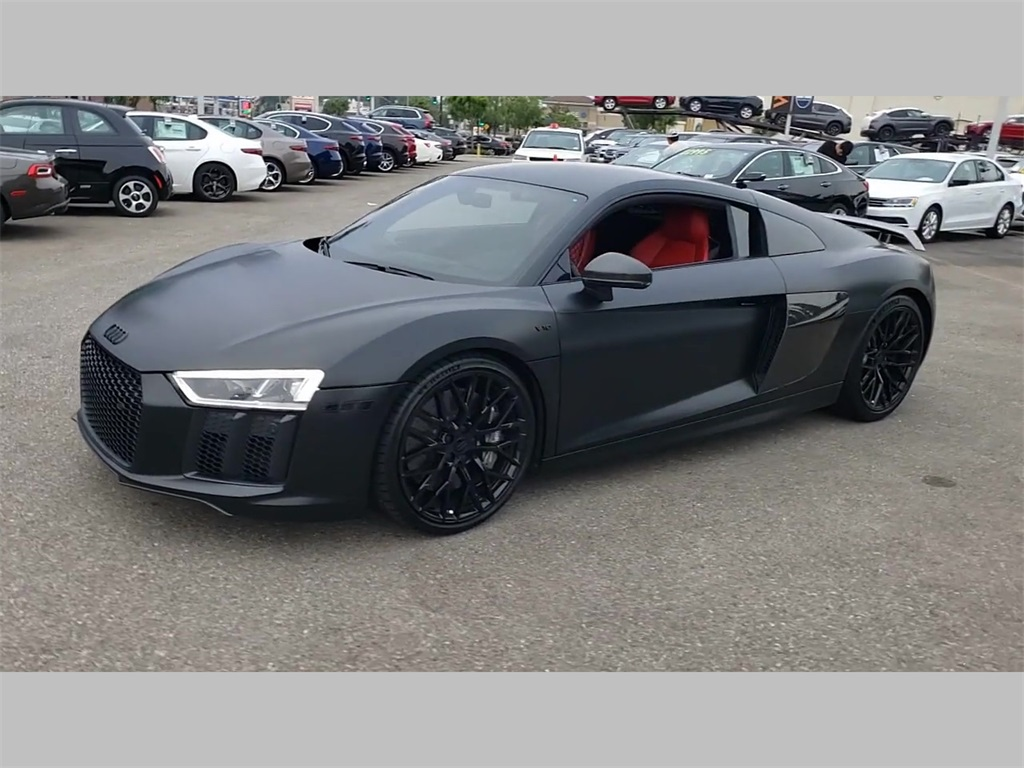 Pre-Owned 2017 Audi R8 5.2 Plus